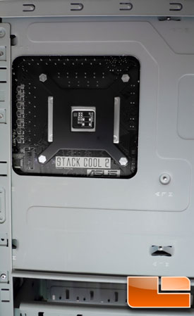 AeroCool Vx-E - Motherboard Backside Hole View
