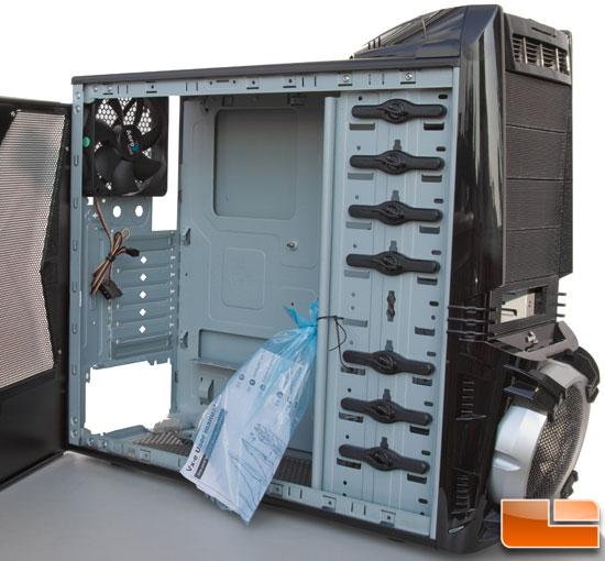 AeroCool Vx-E - Left Side Case Open