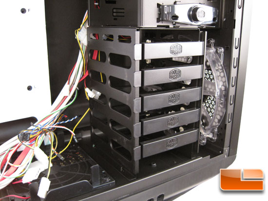 Cooler Master Sniper Black Edition Hard drive bay