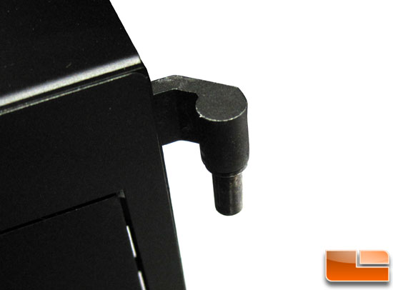 Thermaltake Level 10 5.25 drive bay cover hinge