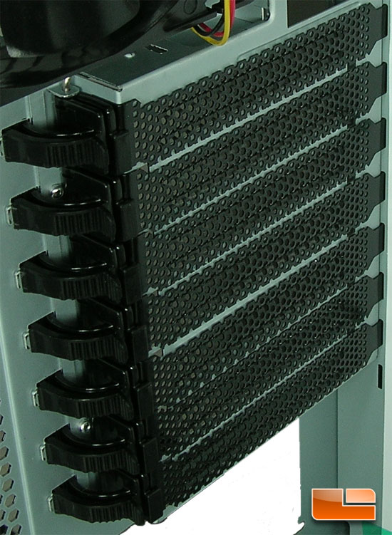 Cooler Master HAF 932 AMD Edition Tool-less expansion slots