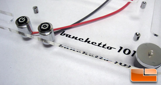 Microcool Banchetto 101 power and reset buttons