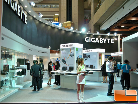Computex 2010 Day 1: Gigabyte shows off X58A-UD9, Notebooks, Tablets