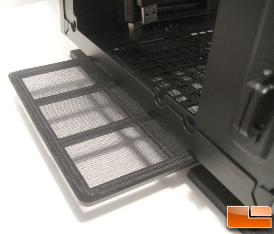 Thermaltake Level 10 GT Full Tower bottom dust filter