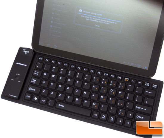 Scosche freeKEY Bluetooth Keyboard with Motorola Xoom