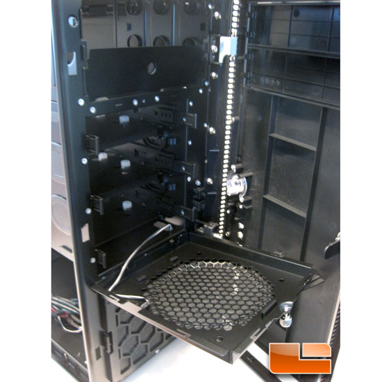 Antec Solo II access to the drive cage