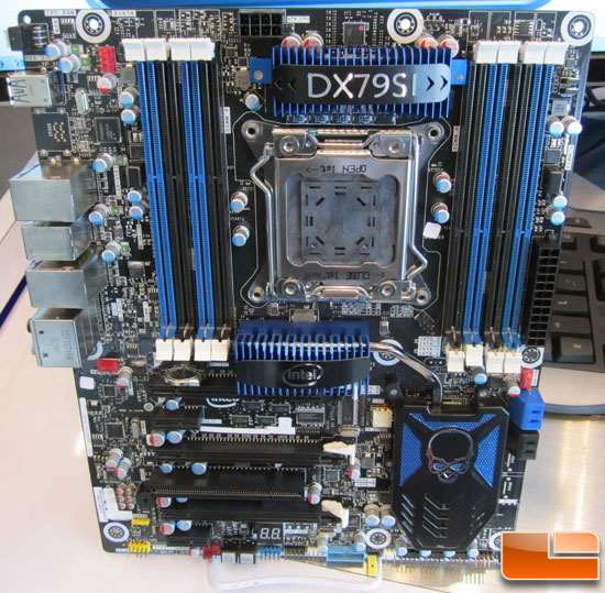 Intel DX79SI Motherboard Revealed – X79 Express Chipset