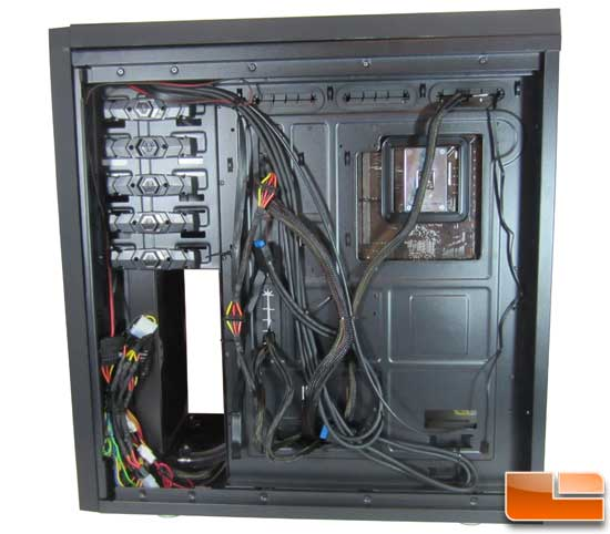 BitFenix Shinobi XL Wire management
