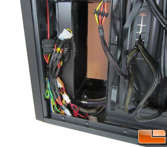 BitFenix Shinobi XL wires to front