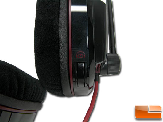 Plantronics Gamecom 780 left side earmuff