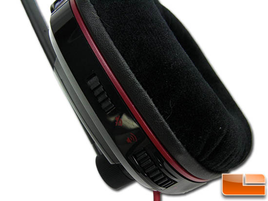 Plantronics Gamecom 780 right side earmuff
