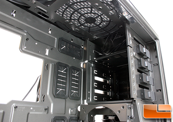 NZXT Phantom 820 drive bays