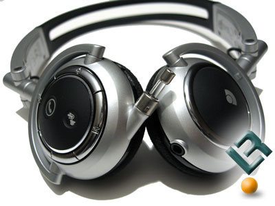 The Plantronics Pulsar 590 Left and Right Sides