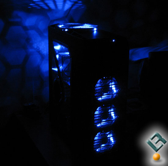 Antec Twelve Hundred in the dark