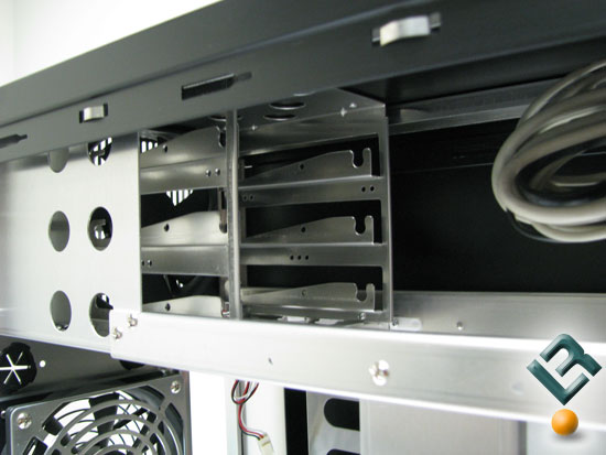 Aux drive cage of the Lian Li PC-A7010