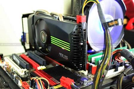 ASUS GeForce GTS 450 TOP 1GB