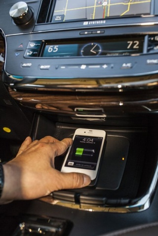 Toyota Avalon Wireless charging