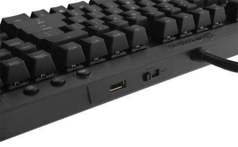 Corsair Vengeance K70 USB Ports