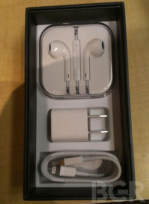 Apple iPhone 5 retail box