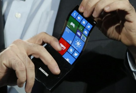 Samsung's new flexi OLED display being demonstrated at CES 2013