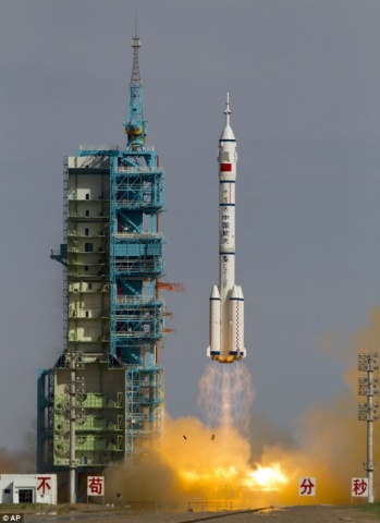 shenzhou_spacecraft_480