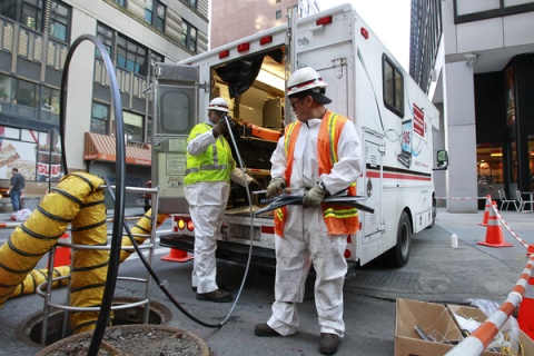 Verizon Installing Fiber in Lower Manhattan