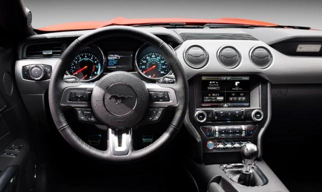 2015-Mustang Dash