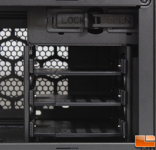 Stacker 915R Drive Bays