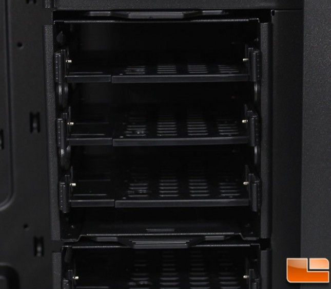 Stacker 935 Mid-Tower 3.5 Bays