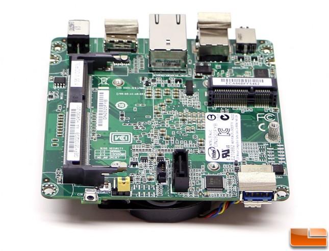 intel-nuc-DN2820FYKH-motherboard