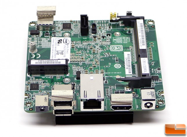 intel-nuc-DN2820FYKH-motherboard2