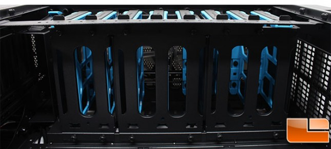 Thermaltake-Core-V71-Internal-Cage-Removal