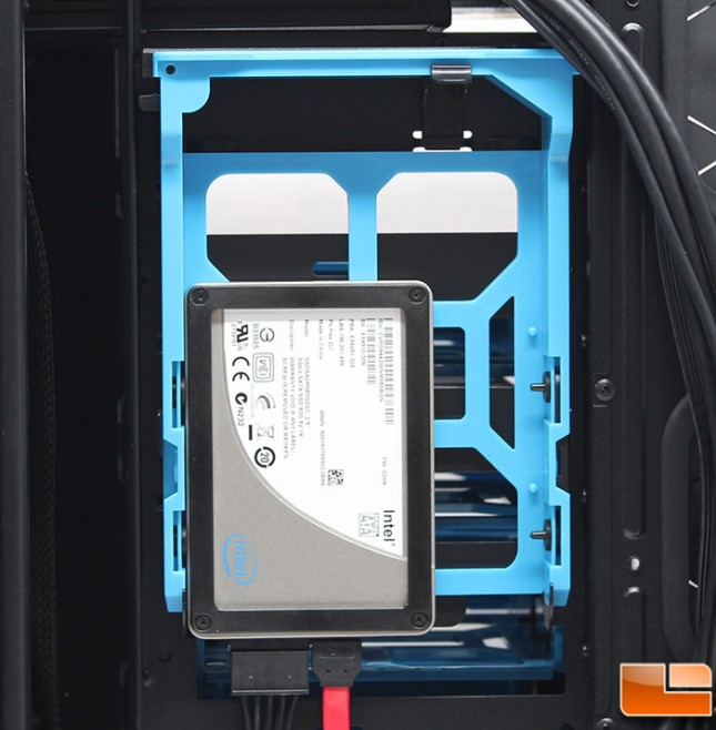 Thermaltake-Core-V71-Build-Hidden-SSD