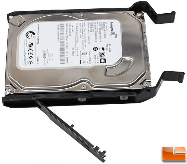 Phanteks-Enthoo-Luxe-Build-35-drive