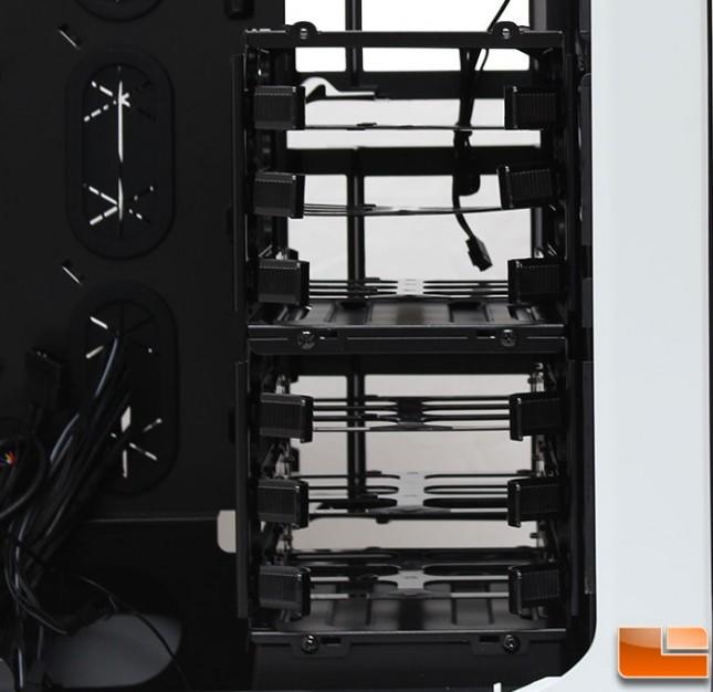 Corsair-Graphite-780T-Internal-35-Cages