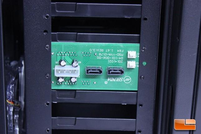 AzzaNova8000InternalHDDAreaSATABackplane1