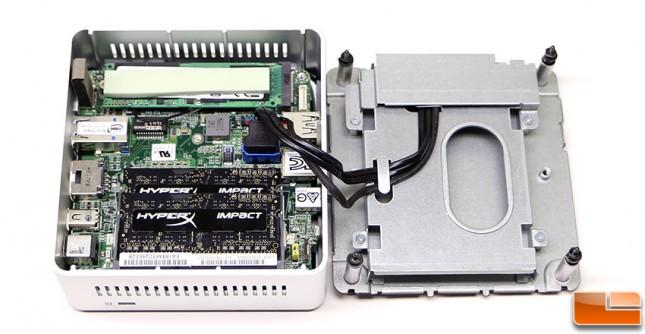 Intel nuc5i7ryh inside