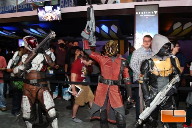 E3_2015_Booth_Babes-D02