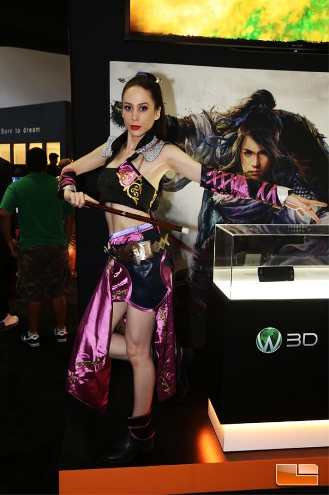 E3_2015_Booth_Babes-D04
