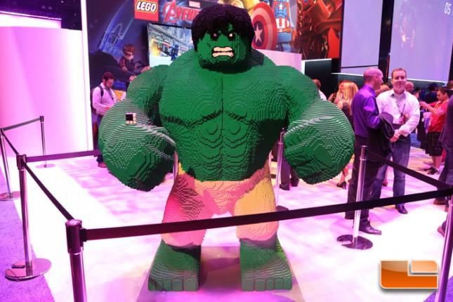 E3_2015_Booth_Babes-D27