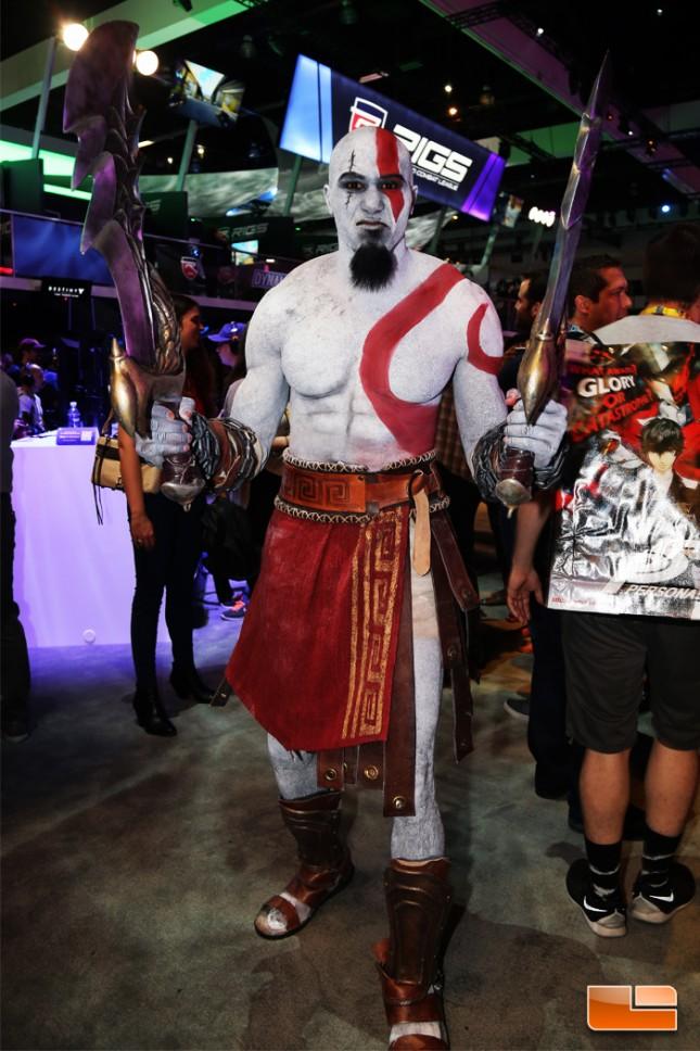 E3_2015_Booth_Babes-D32