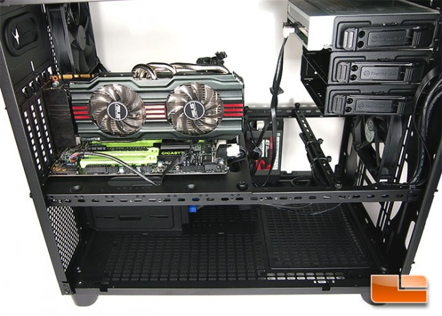 thermaltake-core-x2-wired-1