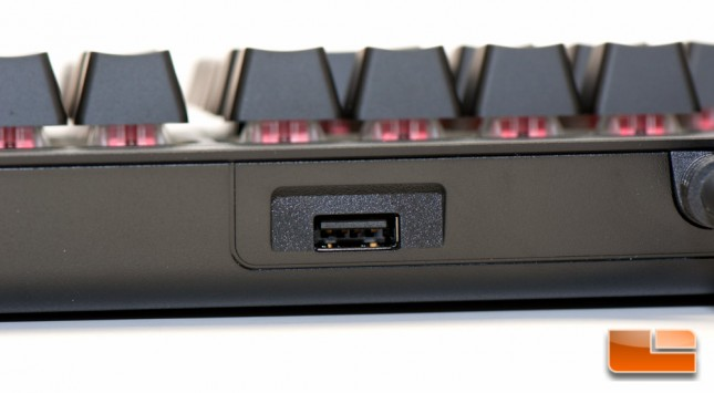 Corsair STRAFE RGB USB Passthru