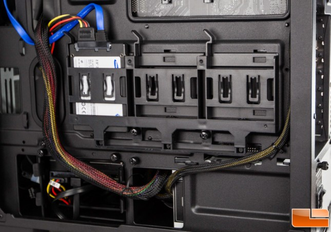 Corsair Carbide 400Q 2.5 Inch Drive Bays