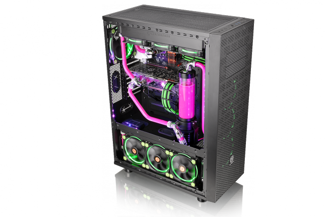 Thermaltake Core X71 - 1
