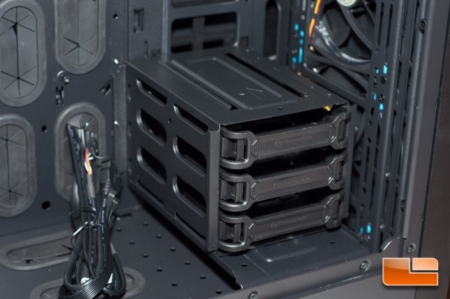 Thermaltake Core X71 - HDD Cage