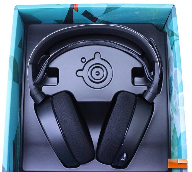 Arctis 7 with clamshell