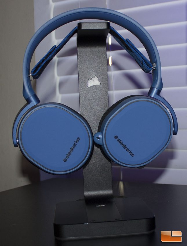 SteelSeries Arctis 3 on headset stand