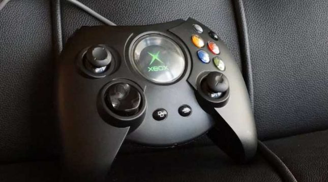 Gigantic Duke Original Xbox Controller Returns in March