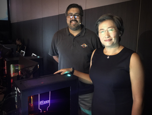 James Prior and Dr. Lisa Su Showing Off A System With Wraith Ripper